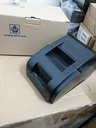 Giá rẻ nhất cho dòng sản phẩm máy in hóa đơn Tốc độ in 90mm/s Công nghệ in nhiệt trực tiếp Sử dụng khổ giấy 57mm Kết nối USB,RJ11 Bảo hành 12 tháng